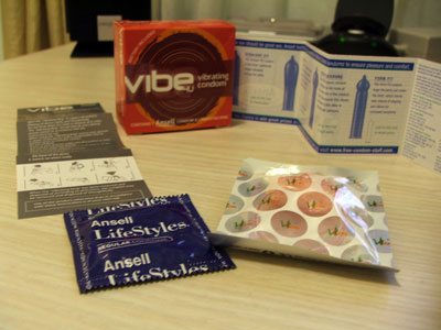 Ansell vibe4u Vibrating Condom - Content
