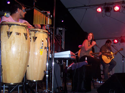 Vanessa Amorosi and band
