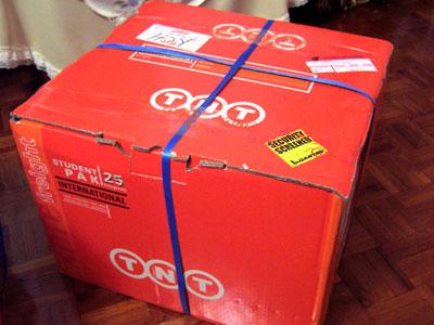 TNT Worldwide Express Box